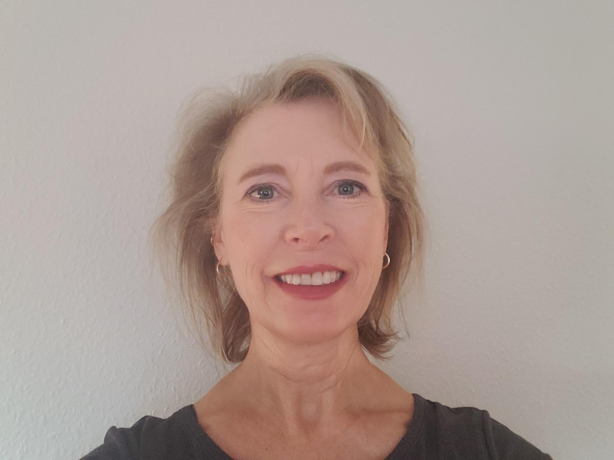 Dr. Denise Michanowicz