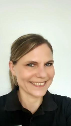 TÄ Simone Schneider