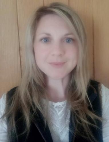 Dr Kathy Mackinnon